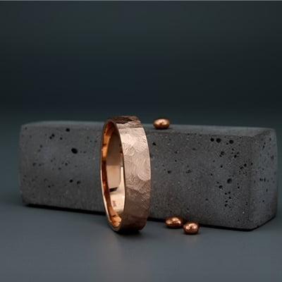 Averie Jewelry Handmade Faceted 14-Karat Rose Gold Men's Wedding Band